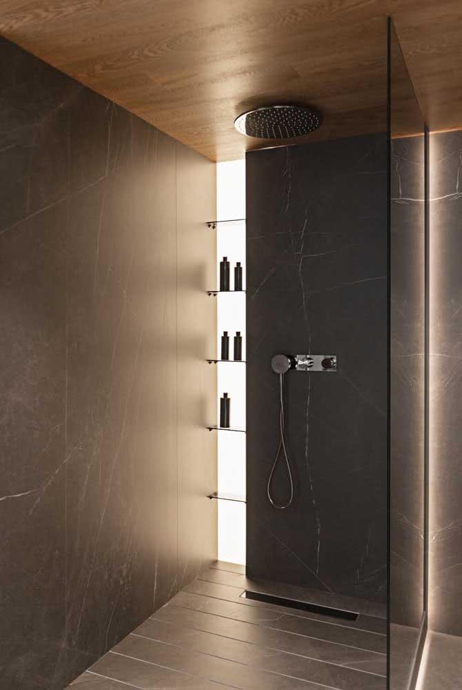 O chuveiro de teto é perfeito para banheiros de estilo clean, moderno e minimalista
