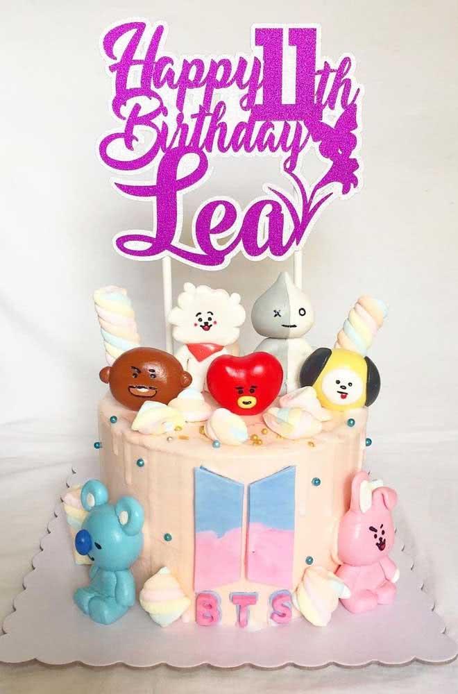 Uma inspiração de bolo BTS que é pura fofura!
