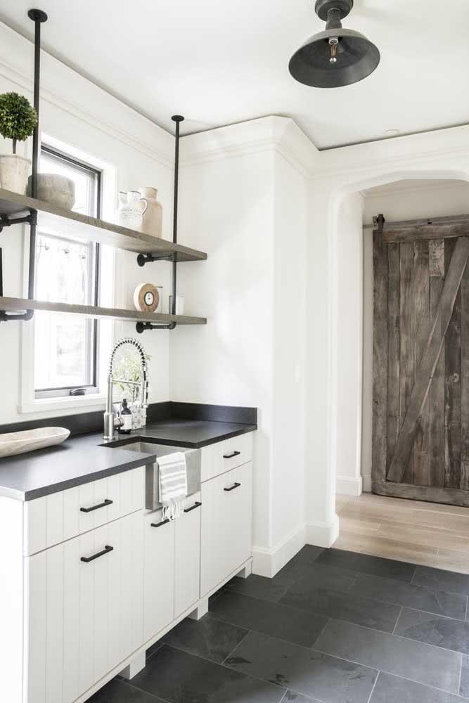 Simples e rústica! Uma cozinha atemporal
