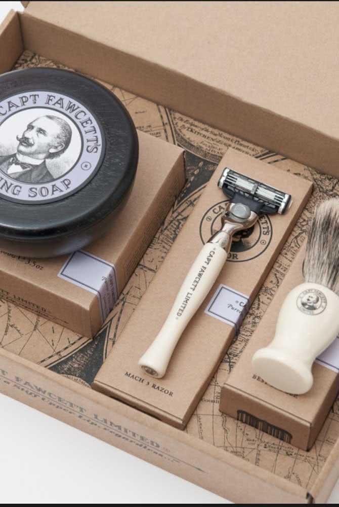 Kit de barbear vintage para um homem cheio de personalidade