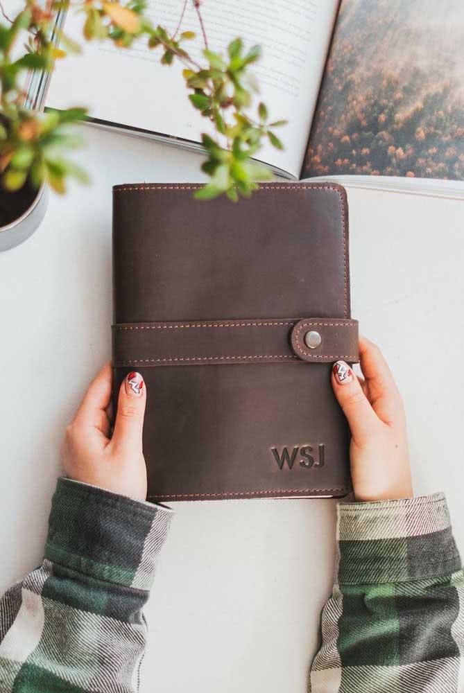 E o que acha de uma capa de caderno personalizado?