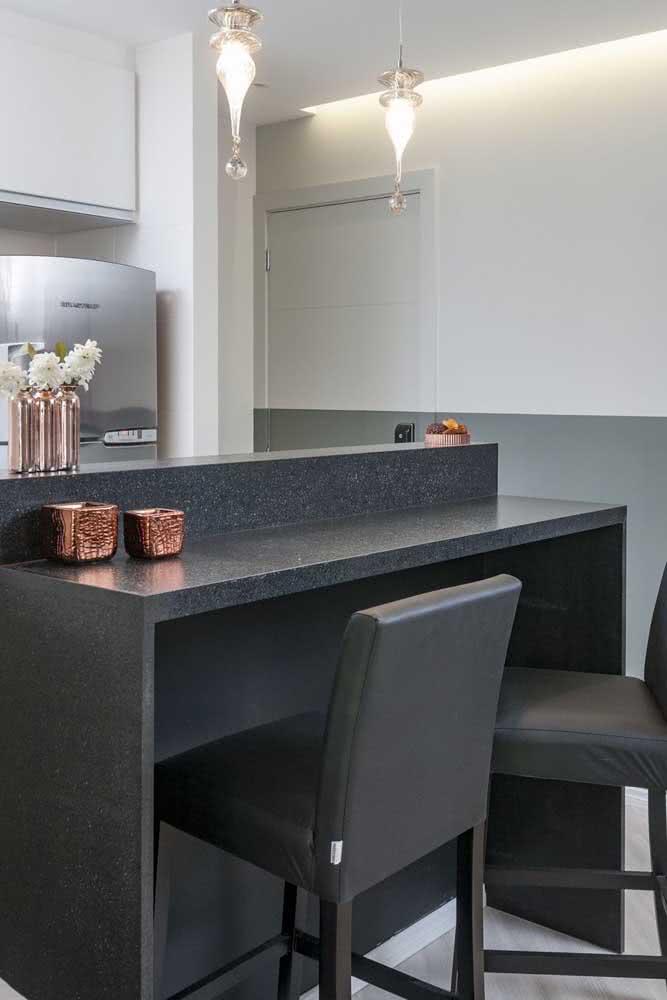 A bancada de granito preto é pura sofisticação!