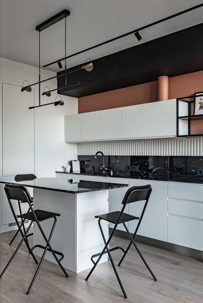 Pia de granito preto para uma cozinha moderna e sofisticada