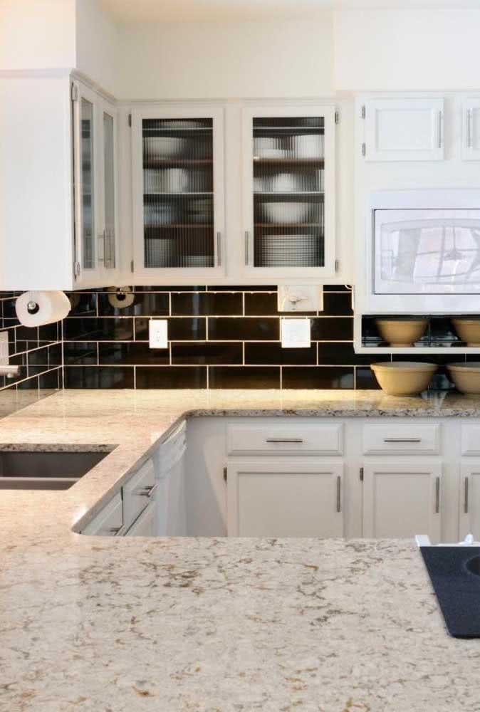 Pia de granito branco para a cozinha clean e de estilo clássico