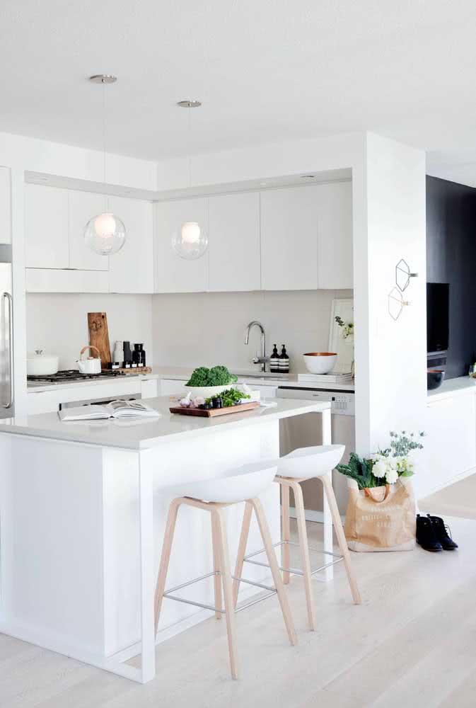 Cozinha sob medida de canto: aproveitamento integral dos espaços