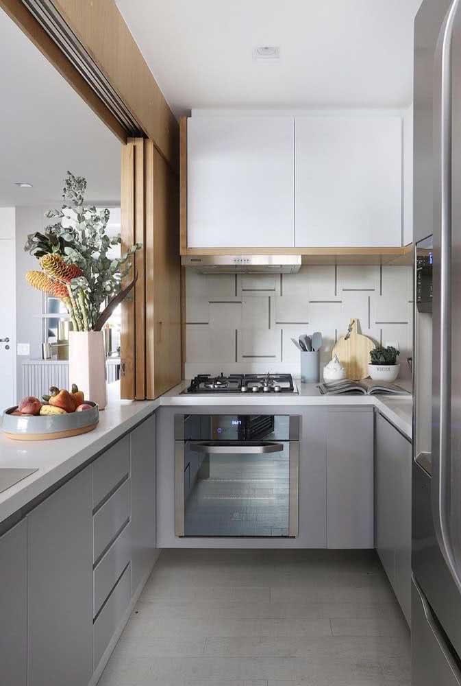 Cozinha sob medida pequena cinza: uma cor moderna e neutra