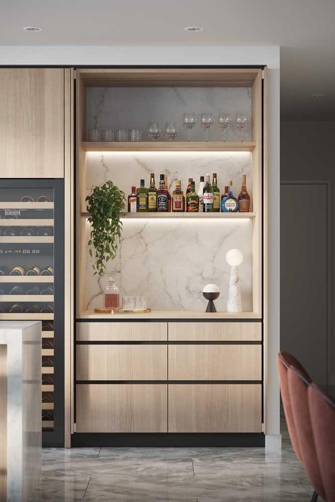 Que tal incluir um bar na cozinha sob medida?