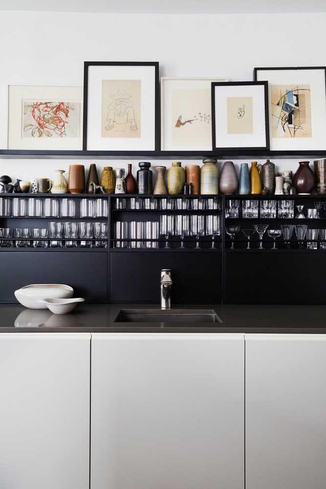 Cozinha sob medida moderna decorada com nichos