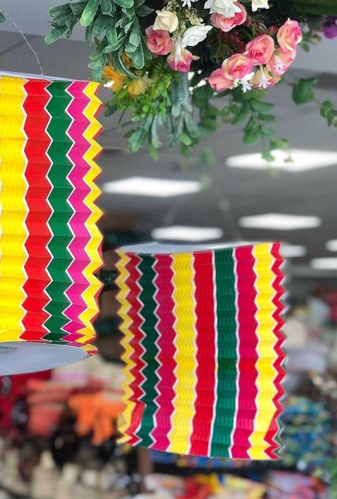 Balão de festa junina sanfonado: outro ícone das festas juninas