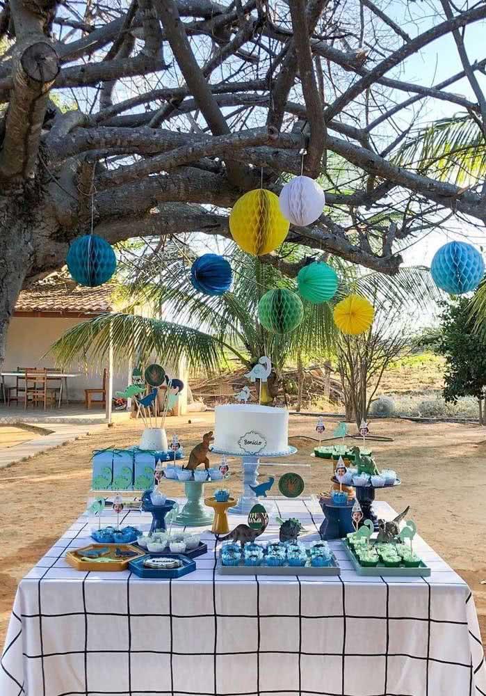 Balões de festa junina sanfonados para decorar o aniversário infantil