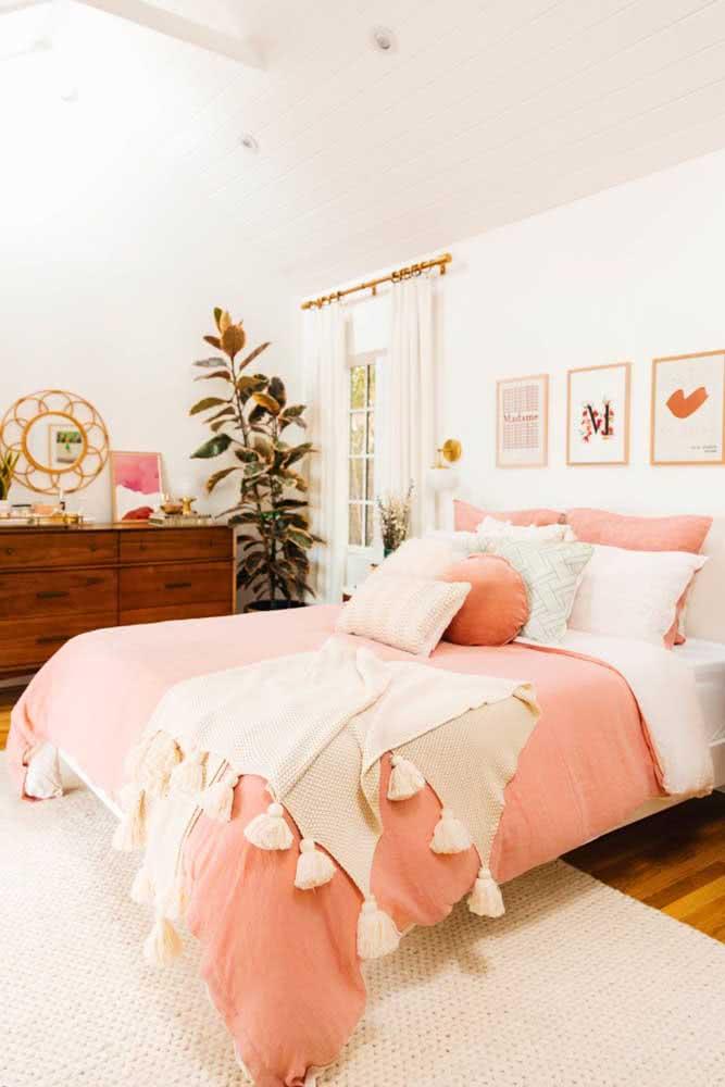 O quarto está branco demais? Troque a roupa de cama