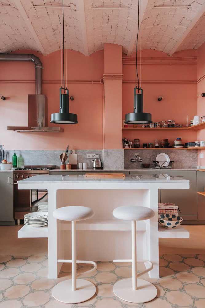 Paredes Coral na cozinha rústica