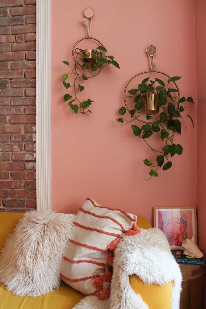 Mude a pintura da sala e conquiste um ambiente mais acolhedor e receptivo