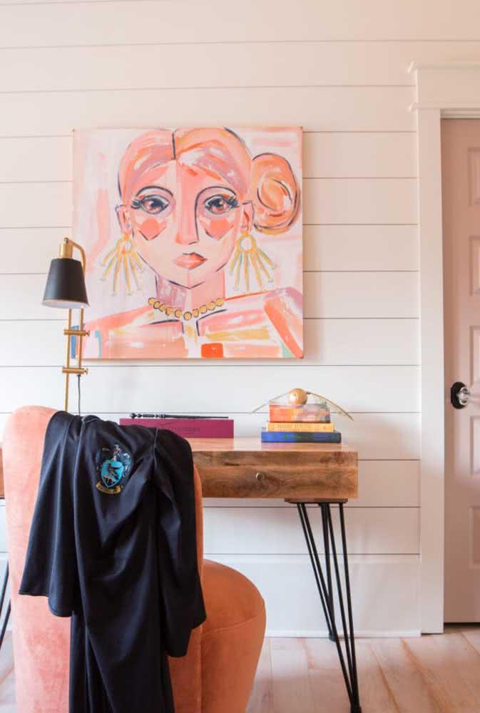 As obras de arte da casa também podem acompanhar a tendência da cor do ano
