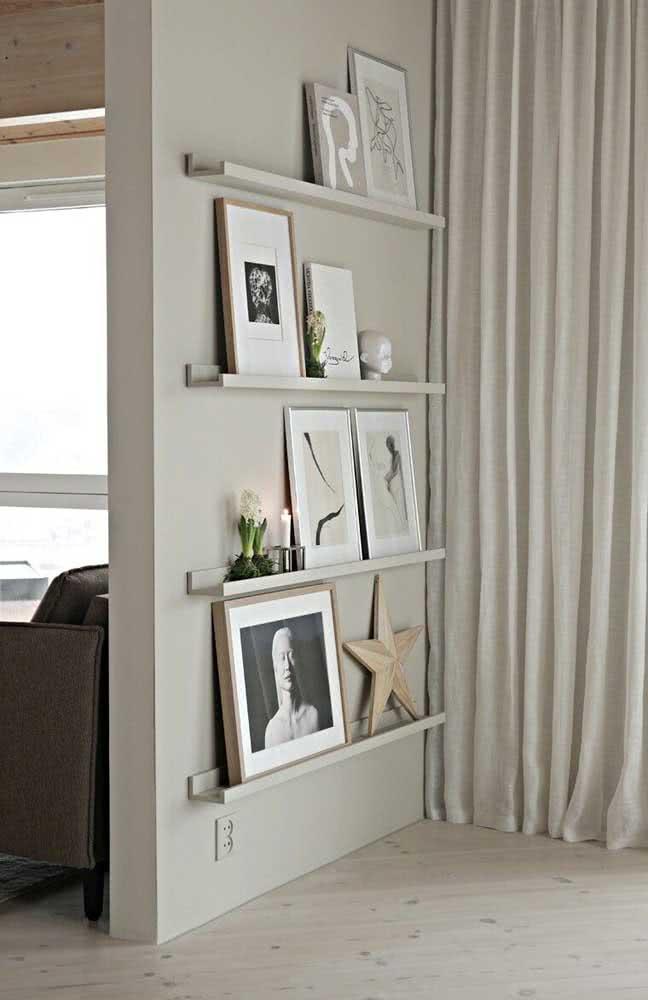 Prateleira para quadros com canaleta. Perfeitas para ocupar aquela parede vazia da casa