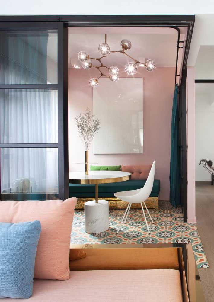 Um piso diferenciado para preencher a sala de jantar grande