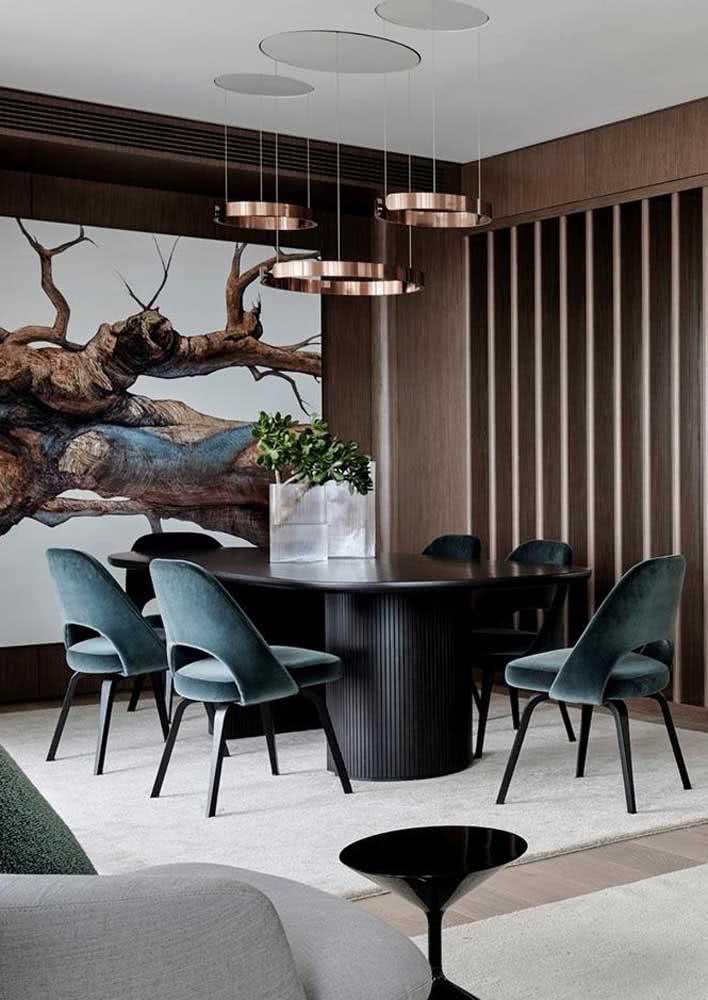 Quer uma decoração sofisticada para a sala de jantar? Então invista em tons neutros e escuros