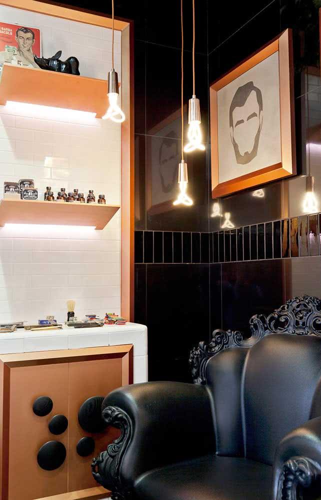 Um cantinho especial para recepcionar os clientes da barbearia