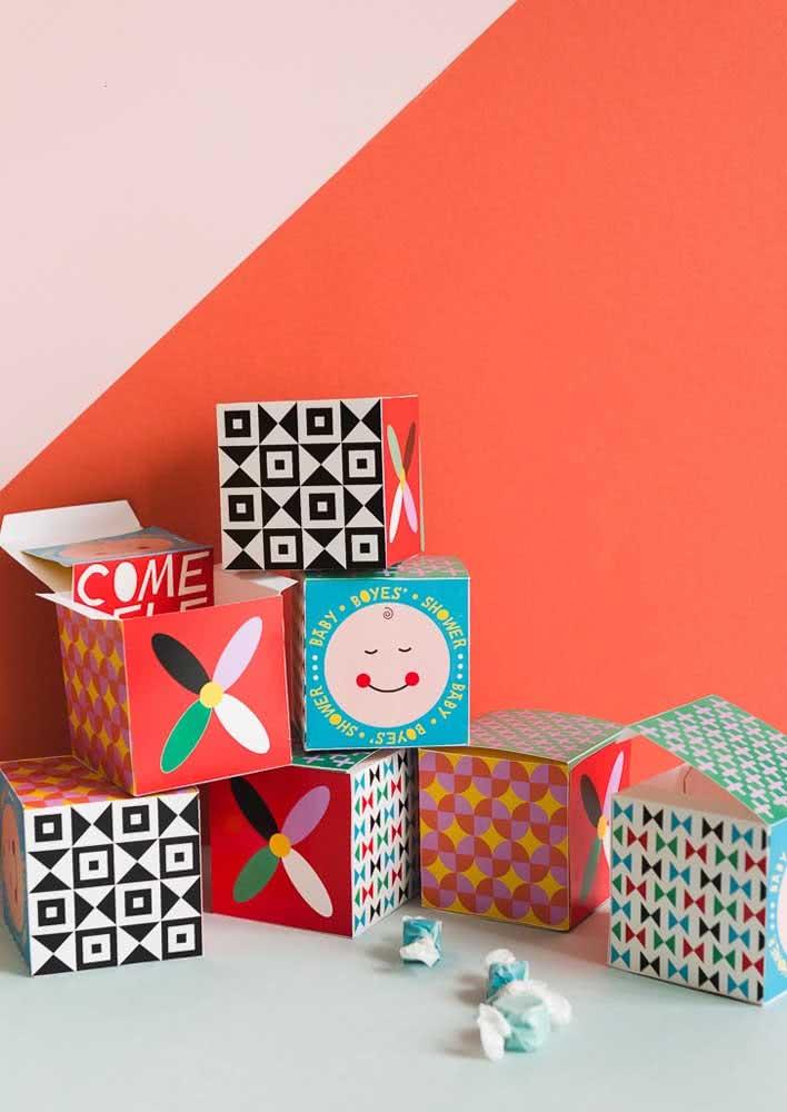 Convite caixa: outra ideia super criativa para você ter no seu repertório!