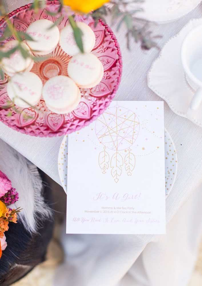 Descubra um incrível convite de chá de bebê com desenho delicado e minimalista.