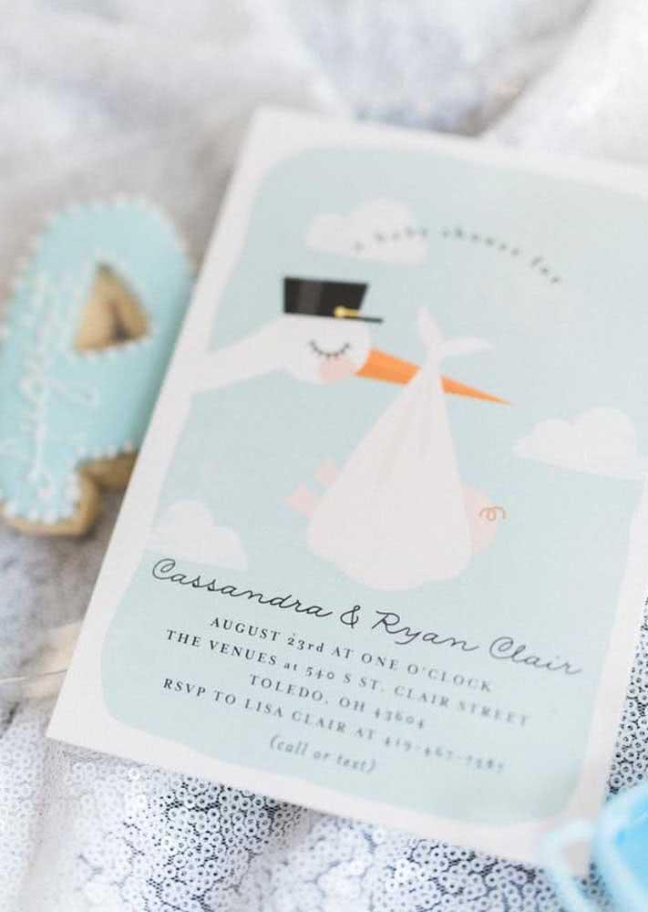 Com desenho delicado: este convite de chá de bebê com cisne chama a atenção.