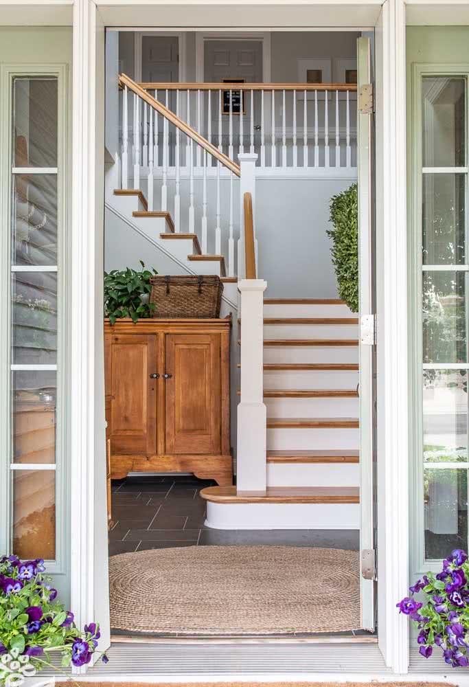 Para a entrada da casa: tapete de crochê cor palha.
