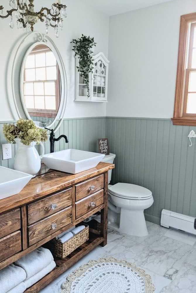 Tapete de crochê simples e branco para o banheiro.