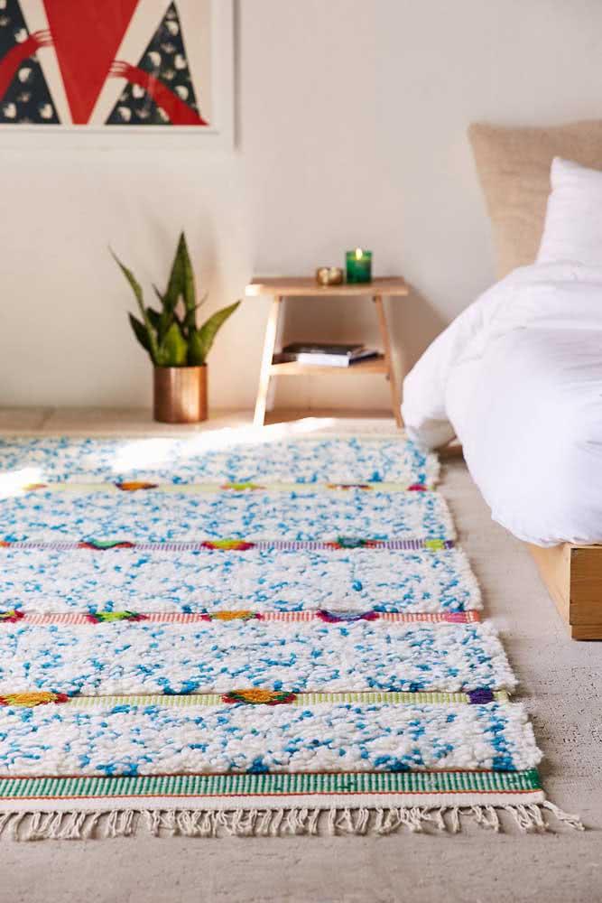 Tapete de crochê retangular com flores, super colorido e charmoso.