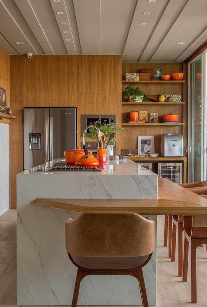 Cozinha com cooktop por indução. Visual clean, elegante e moderno