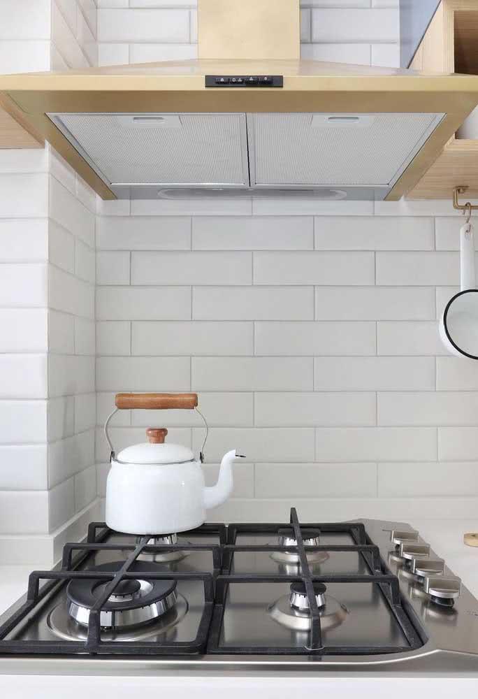 Parece um fogão comum, mas é um cooktop