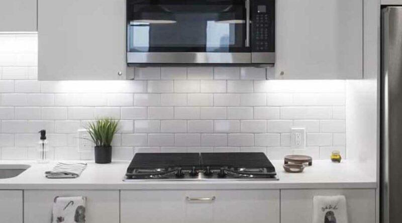 Cozinha com cooktop: vantagens, desvantagens, dicas e fotos para se inspirar