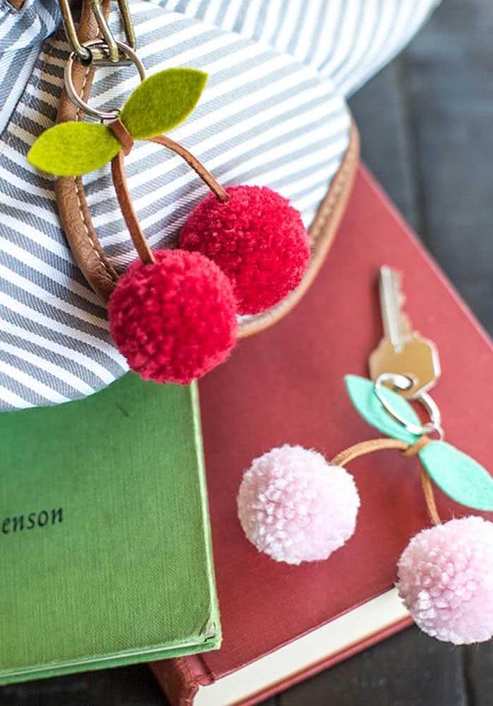 Chaveirinho de cereja. Uma ideia simples e encantadora