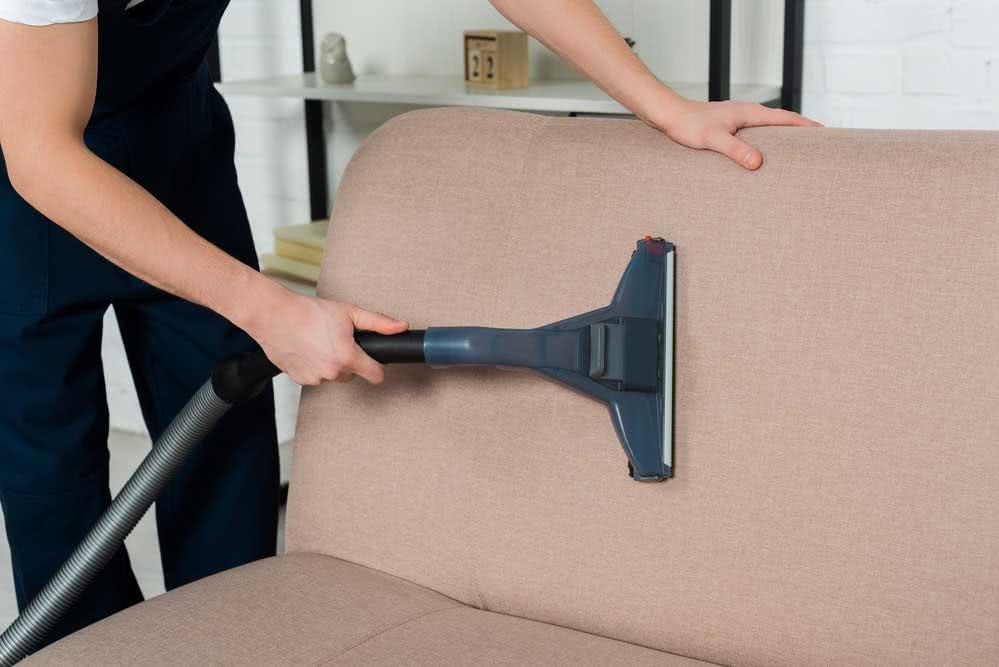 Quanto custa higienização de sofá