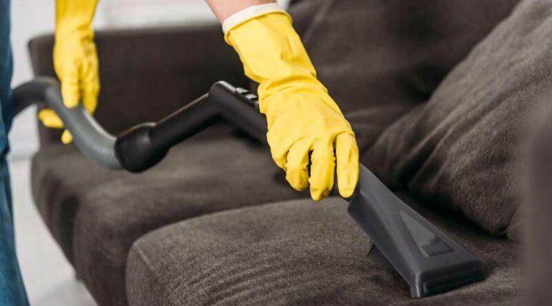 Higienização de sofá: o que é? importância, cuidados e como fazer