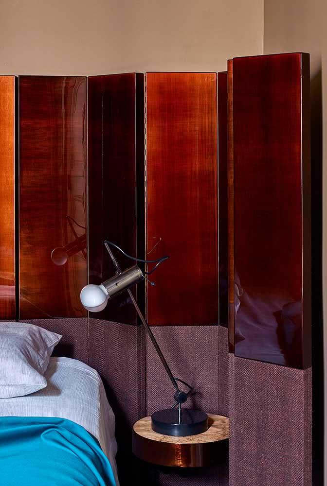 Biombo de madeira e tecido para o quarto. Complete a decoração e ainda ganhe um espaço privativo de brinde