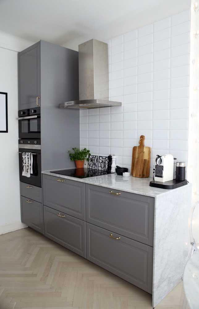 Torre quente valorizando a cozinha pequena