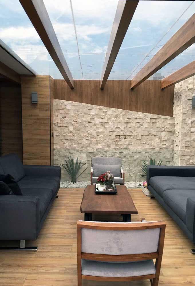 Pergolado de vidro para uma área externa super aconchegante, moderna e sofisticada