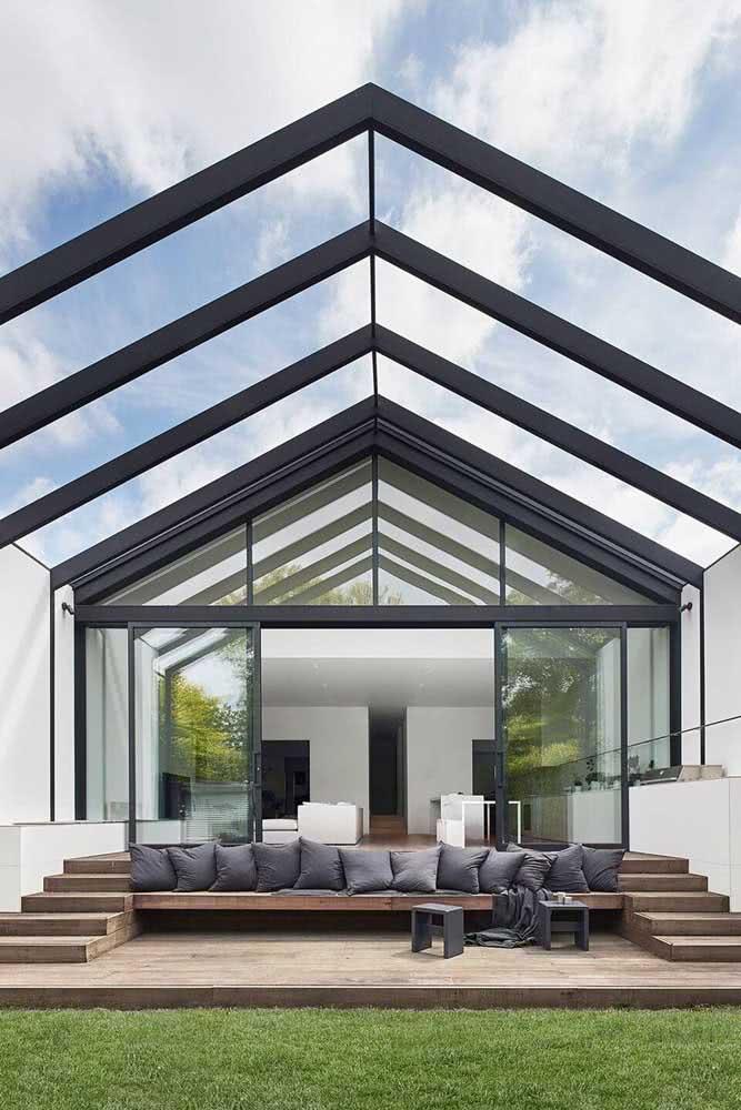 Que tal uma casa com teto de vidro?