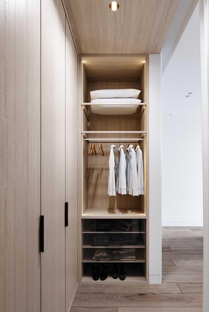 Guarda roupa de canto com porta de correr para quem deseja um quarto mais espaçoso