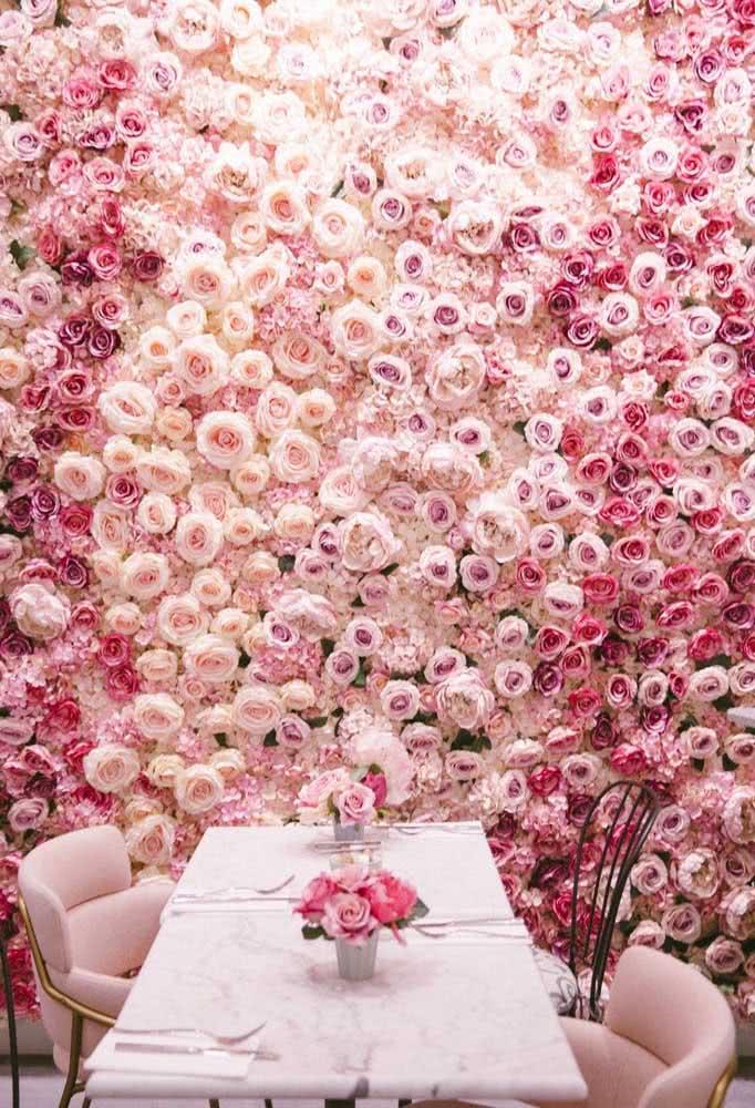 Painel de rosas em três tons para uma decoração delicada, romântica e ultra feminina