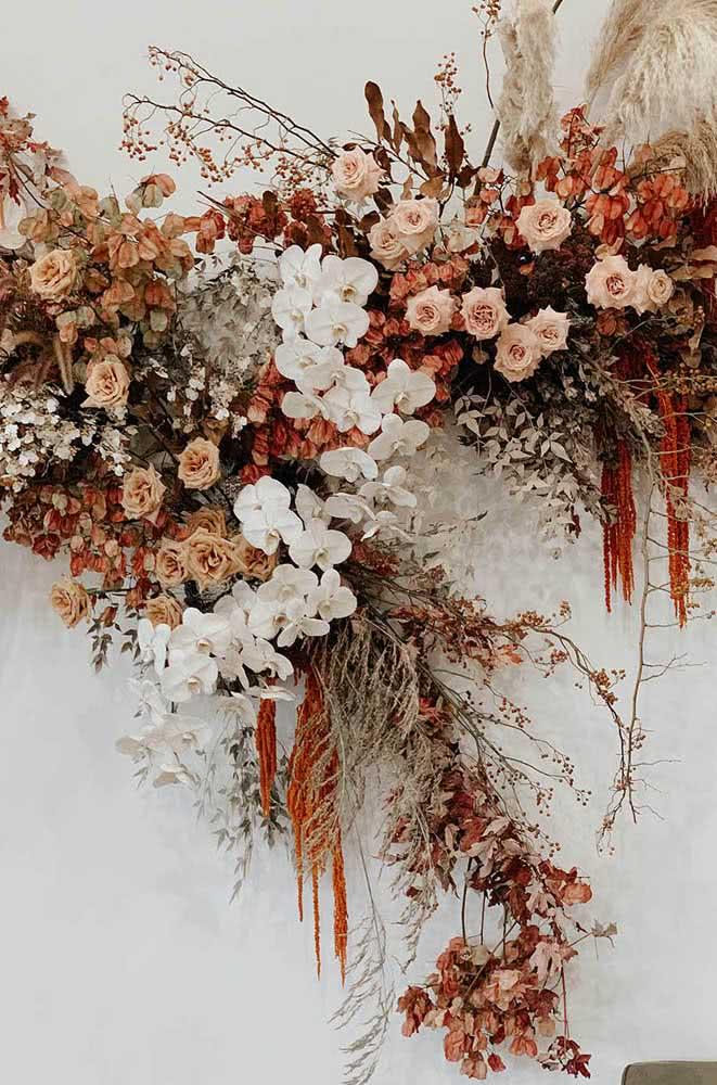As flores secas também são uma ótima pedida para a decoração do painel