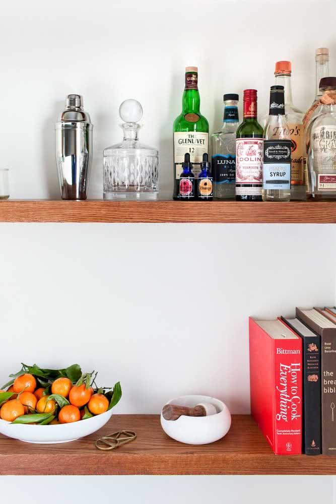 Livros para completar a decoração do bar