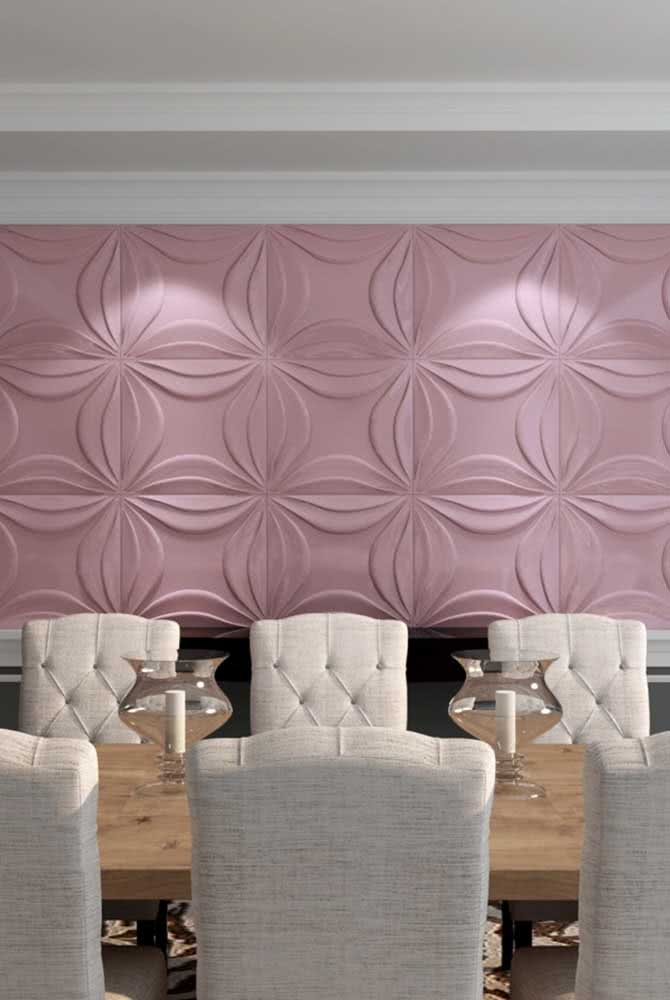 Só dá ela! Placa de gesso 3D pintada de cor de rosa para sala de jantar