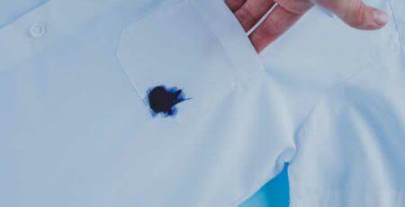 Como tirar mancha de caneta da roupa