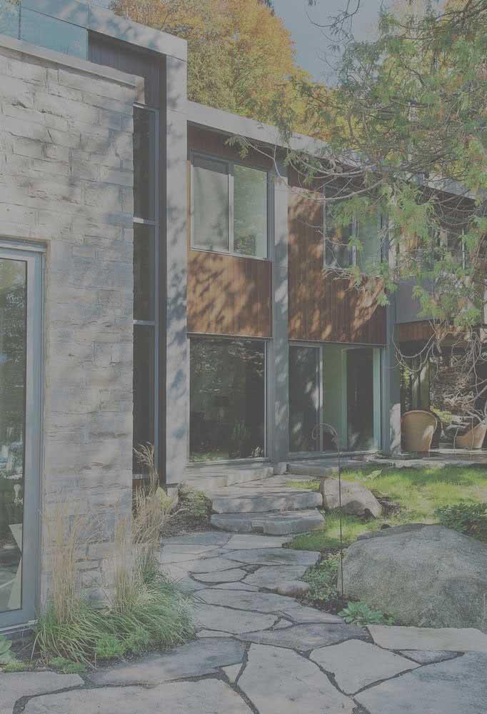 Arquitetura moderna na fachada das casas modernas desse conjunto
