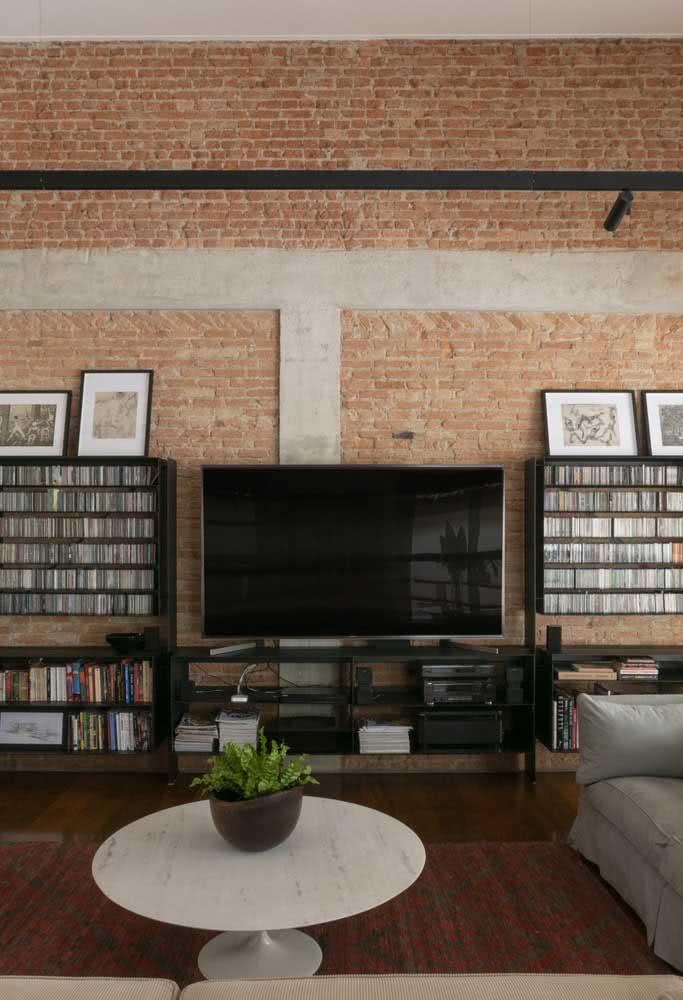 Uma surpresa no interior: a casa por dentro abraça o conceito rústico moderno