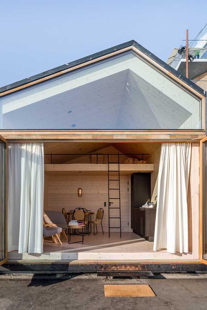 Vidro e madeira para fachada