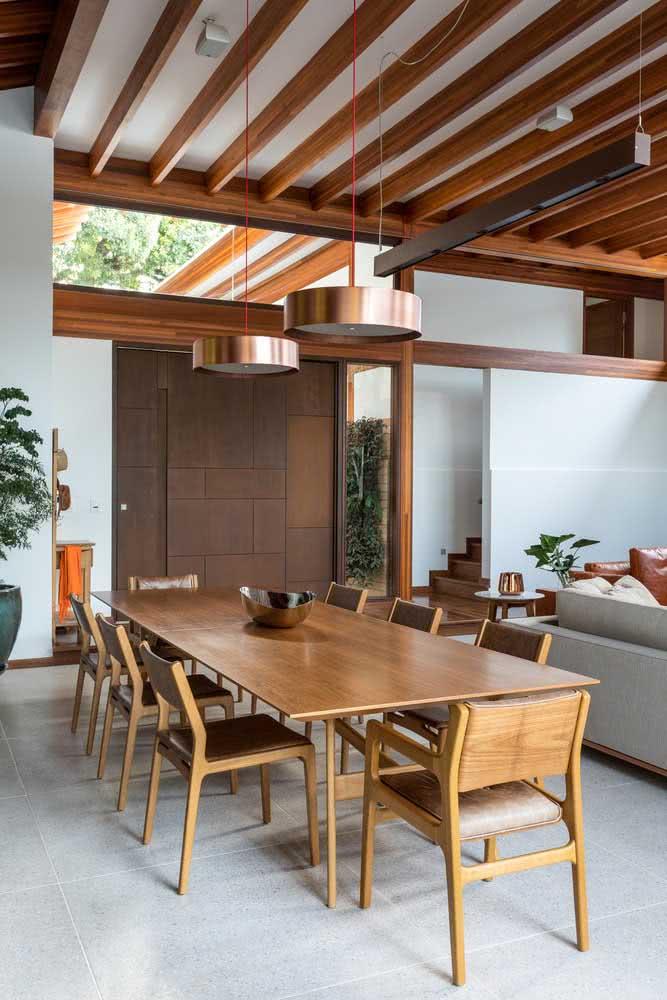 Tudo isso sem perder o conforto e a sofisticação de uma casa moderna por dentro