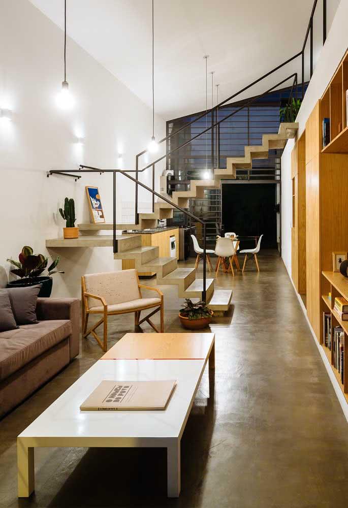 Casa pequena por dentro ganhou integração e muita luz