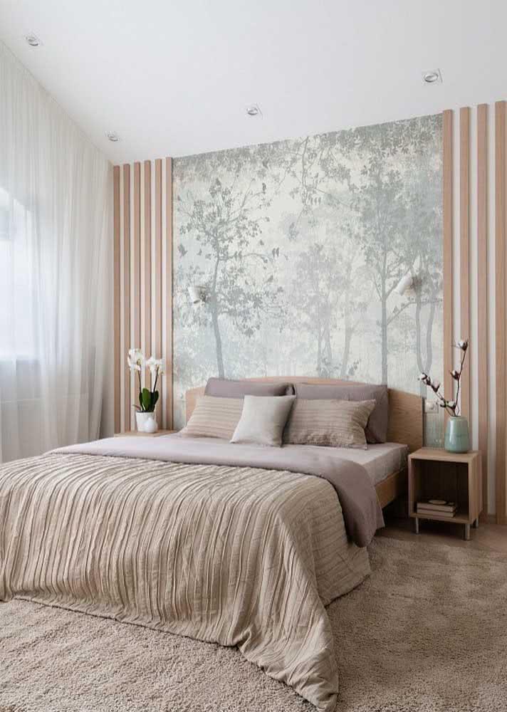 Um toque da floresta com este papel de parede com ilustração de árvores e plantas.